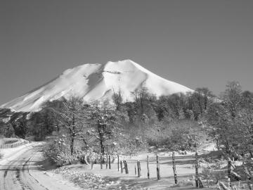 le Lonquimay en noir et blanc © y estienne
