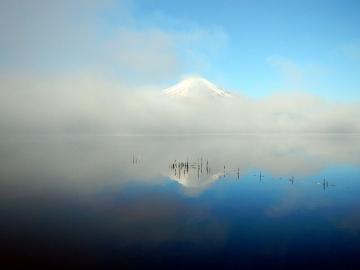 le petit matin sur le lac yamanakako
